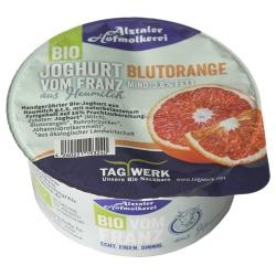 Joghurt mit Blutorange aus bayerischer Heumilch g.t.S., handgerührt