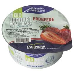 Joghurt mit Erdbeere aus bayerischer Heumilch g.t.S., handgerührt